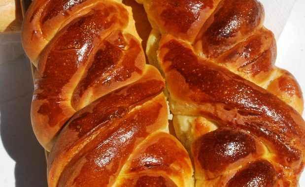 Treccia di pan brioche ripiena di speck e asiago (ricetta Bimby)
