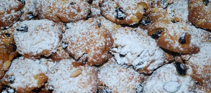 Biscotti con pinoli e uvette della zia Esti