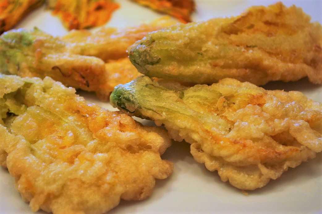 Fiori Di Zucca.Fiori Di Zucca Fritti In Pastella Gourmetdaniela Com