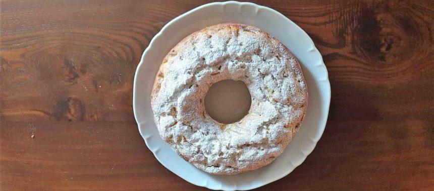 Torta ciambella con ricotta e mele
